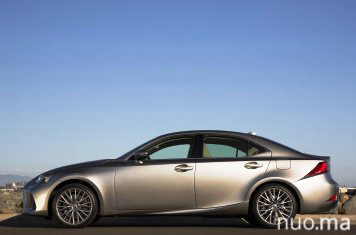 IS klasės Lexus nuoma, AutoBanga