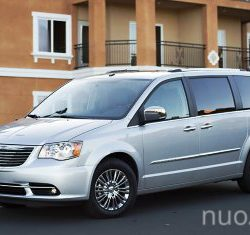 Chrysler Grand Voyager nuoma, AutoBanga