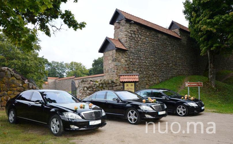 Juodo S klasės Mercedes automobilio nuoma, Vilniaus limuzinai